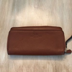 Light Brown Leather Coach Wristlet